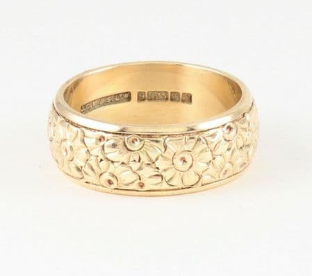 Vintage Solid 9Ct Gold Engraved Embossed Wedding Ring / Band