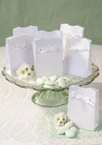 Lace and Mint Favour Box 10pk