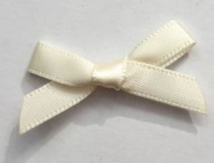 10 Satin Bows 7mm Cream