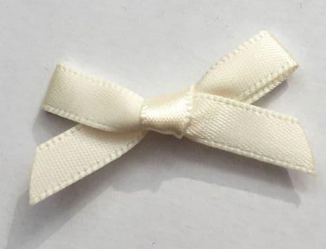 10 Satin Bows 7mm Cream