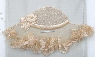EMBROIDERED APPLIQUE MOTIF - CREAM HAT