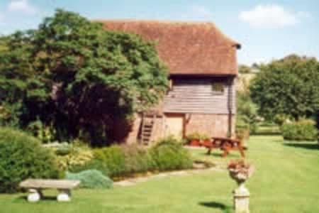 Farnley Little Barn Pet Friendly Cottage Crundale Kent