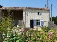 La Petite Maison Pet Friendly Cottage, Chef Boutonne, France