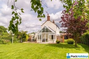 Dog Friendly Cottages Sea Palling   Pack Holidays Norfolk Multi dogs Here