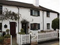 Rose cottage Pet-friendly let Christchurch Dorset
