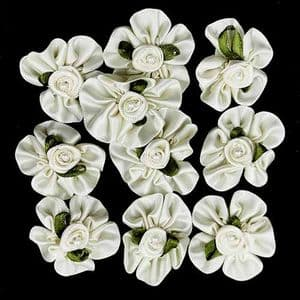 Small fabric flowers, Satin, Cream colour, 3.2cm [approximate], 10 pieces, [CDH141]