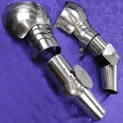 Arm Armor with Asymmetrical Pauldrons